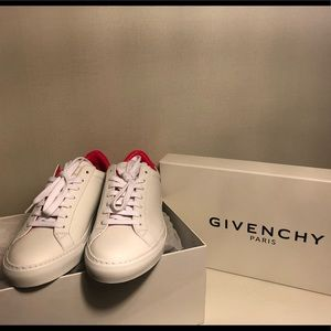 New Never Worn Givenchy White Leather Kicks (pink)